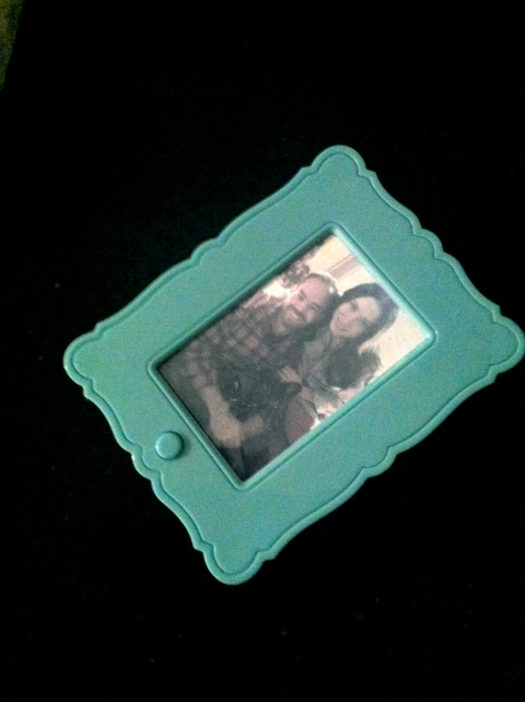 "Hallmark ""art clip"" photo frame"